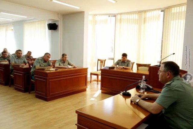 Состоялось совещание с руководящим составом ВС и ГШ ВС