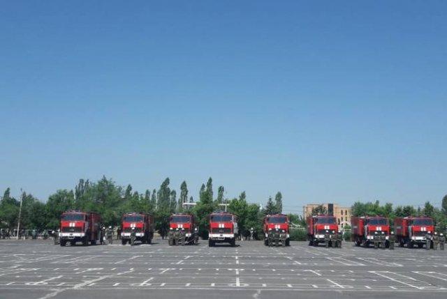 Техническая база ВС Армении пополнилась первой партией 16 пожарных машин