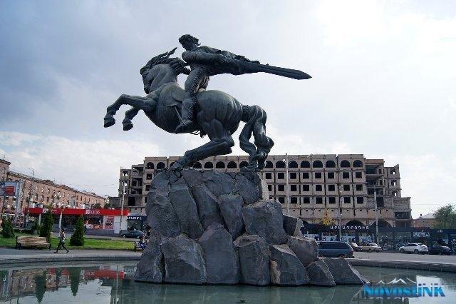 «Я пришел сквозь века и ухожу с победой» - в Ереване вспоминают жертв политических репрессий