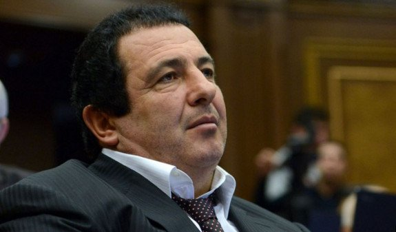 Гагик Царукян порвал повестку о вызове на допрос