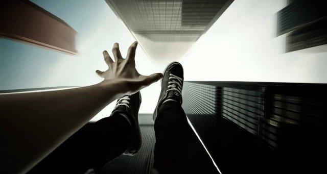 В Баку мать дочь прыгнули с десятого этажа