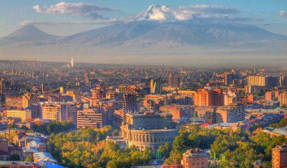 Армения оказалась среди самых популярных стран, куда российские отцы чаще всего ездят с детьми
