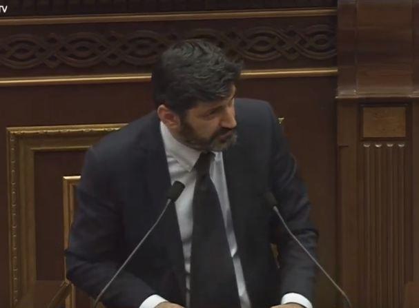 В Национальном Собрании Армении обсуждается вопрос избрания судьи КС