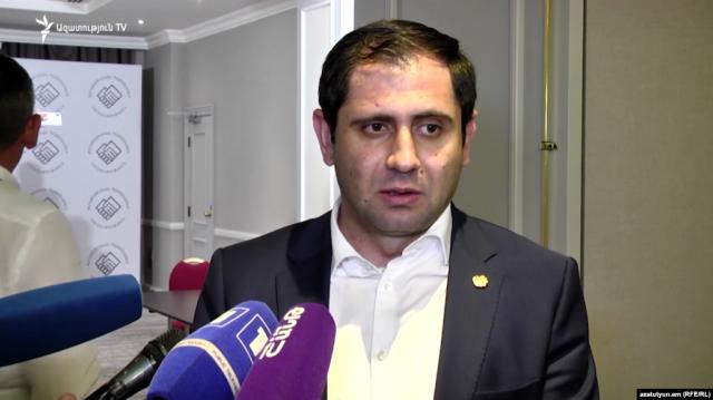 Сурен Папикян: Самоотвод Никола Пашиняна – это исключение суперлидерства в партии