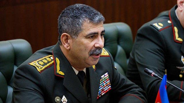 Глава Минобороны Азербайджана прокомментировал инцидент с попаданием снаряда в один из домов в Гяндже