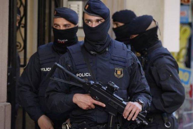 В Испании в ходе антитеррористической операции задержали десять человек