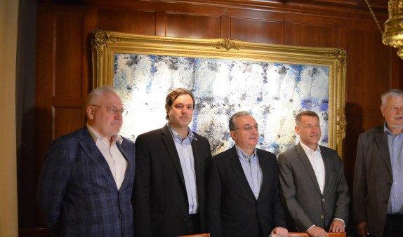 В МИД Армении сообщили некоторые подробности встречи Мнацаканяна с сопредседателями МГ ОБСЕ