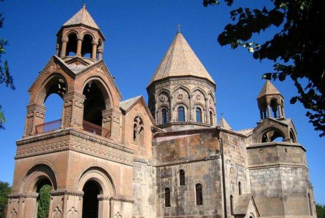 Киракос Давтян назначен местоблюстителем руководителя Грузинской епархии Армянской Апостольской церкви