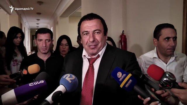 Глупости говоришь, иди сама со своей семьей подчиняйся законам. Царукян оскорбил журналистку