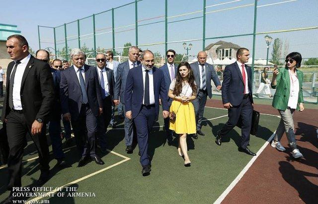 Премьер присутствовал на открытии парка Франкофонии и семейного спортивного комплекса в Масисе