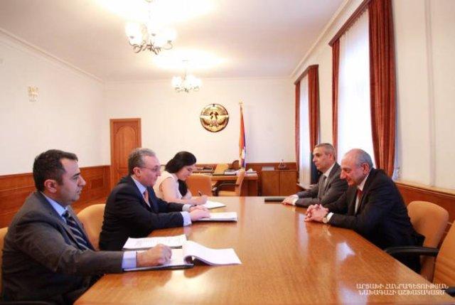 Президент Арцаха принял министра иностранных Армении
