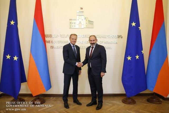 Никол Пашинян и Дональд Туск обсудили перспективы развития отношений Армения-ЕС
