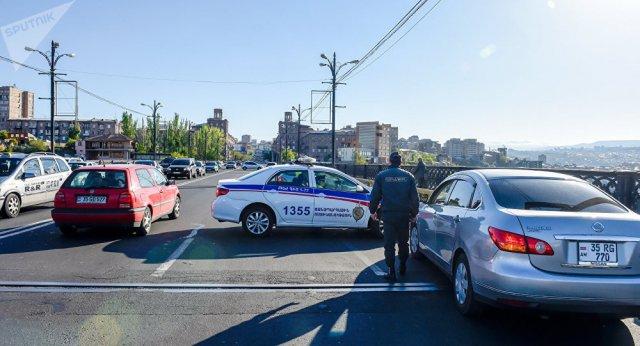 Пашинян: В Армении злостные нарушители ПДД не должны иметь возможности управлять транспортными средствами