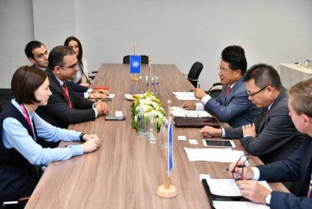 Тигран Хачатрян встретился с генеральным секретарем ЮНИДО