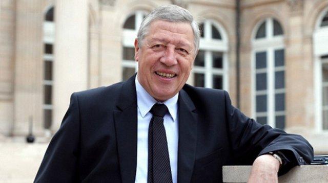 Франсуа Рошблуан считает неприемлемым аннулирование хартий о дружбе между Арцахом и Францией
