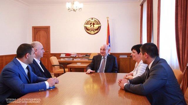 Президент Арцаха встретился с серебряным призером турнира по самбо Европейских игр