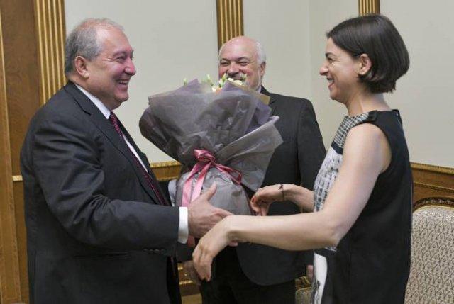 Армен Саркисян принял всемирно известную сопрано Асмик Григорян