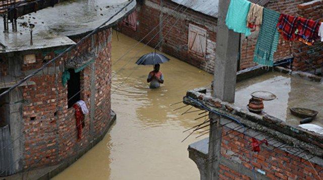 Индия под водой: в зоне бедствия оказались почти 400 тысяч человек