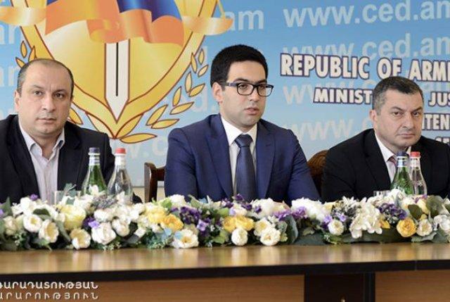 Министр юстиции представил аппарату уголовно-исполнительной службы новоназначенного начальника