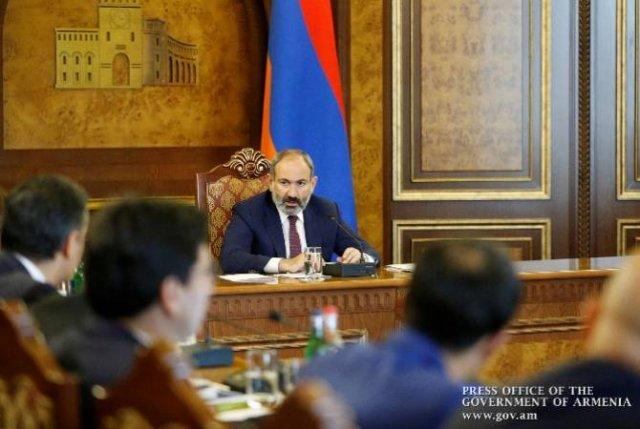 Премьер-министр провел первое заседание Совета по антикоррупционной политике