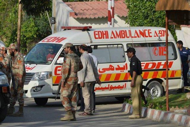 Афганистане не менее четырех человек погибли при нападении боевиков на отель