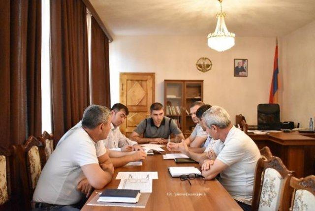 От жилищных программ до сельского хозяйства — госминистр Арцаха посетил Мартуни