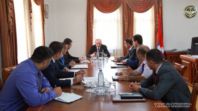 Президент Арцаха Бако Саакян провел совещание с руководителями районных администраций