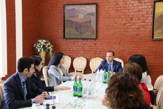 Заре Синанян встретился с членами Координационного совета российско-армянских организаций