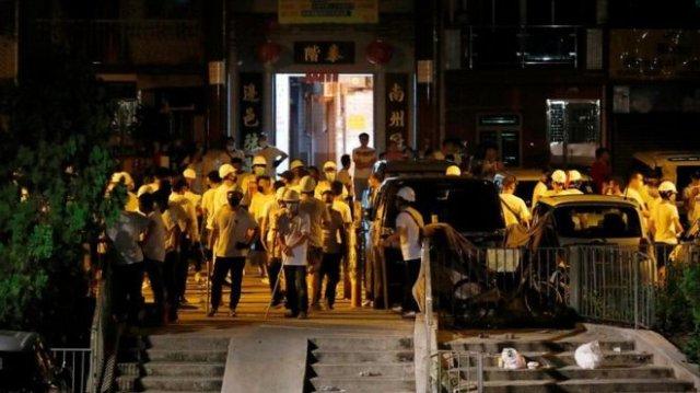 Протесты в Гонконге не утихают: слезоточивый газ, резиновые пули и стычки
