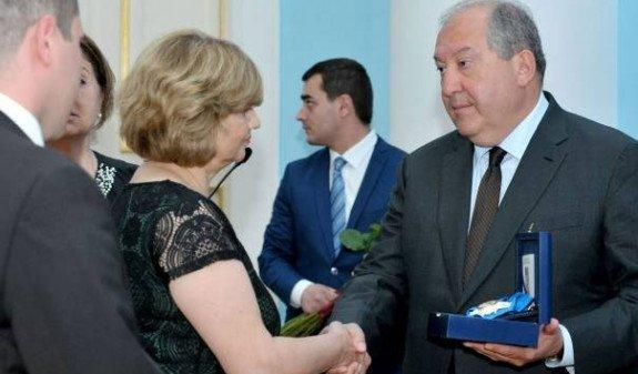 Президент Армении посмертно наградил Армана Киракосяна Орденом Почета