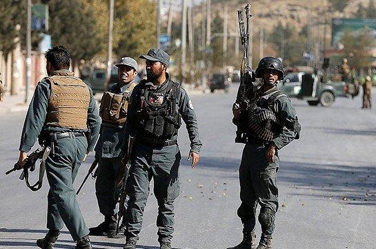 В Афганистане не менее четырех человек погибли при подрыве автомобиля