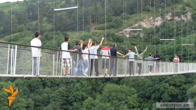 В Татеве посетитель упал с участка под названием «Мост дьявола»