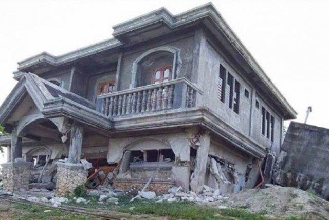 На Филиппинах не менее пяти человек погибли из-за землетрясений