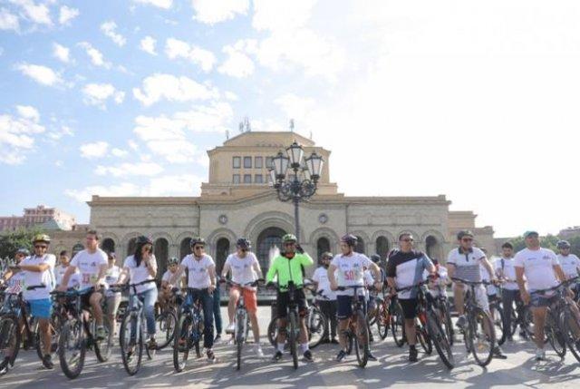 Посол Франции, вице-премьер РА и министр здравоохранения приняли участие в Tour de Masis 3