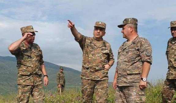 Глава Минобороны Арцаха посетил одну из воинских частей