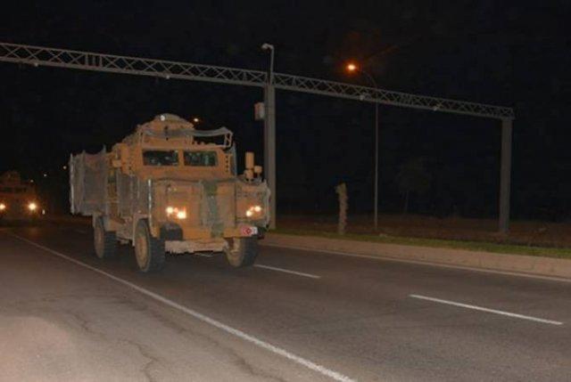 Турция направила на границу с Сирией 12 боевых машин