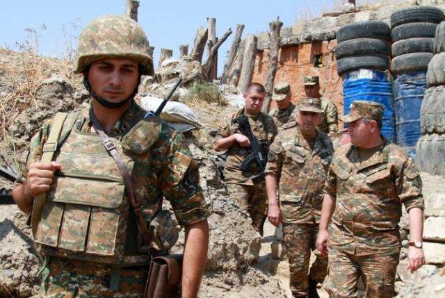 Начальник Генштаба ВС Армении и министр обороны Арцаха посетили передовую линию