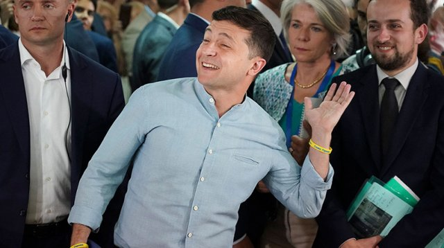 Назван размер зарплаты президента Украины Владимира Зеленского
