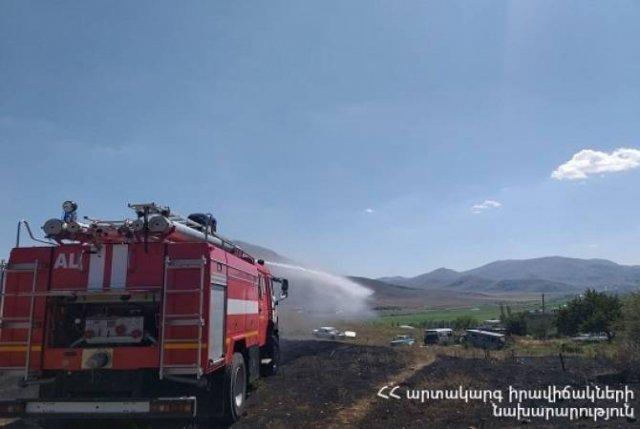 Пожарные-спасатели РА потушили 54 пожара на травяных участках