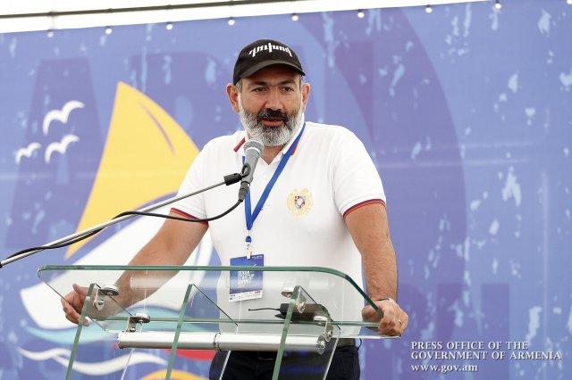 Пашинян представил деятельность правительства Армении за июль
