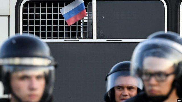 Число задержанных на акции протеста в Москве превысило 600 человек
