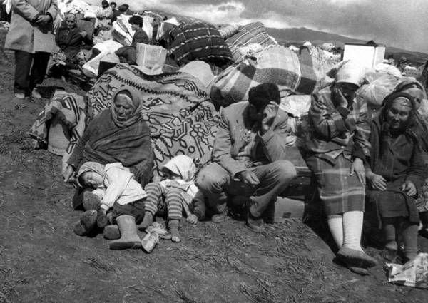 Баку продолжает спекулировать проблемой беженцев