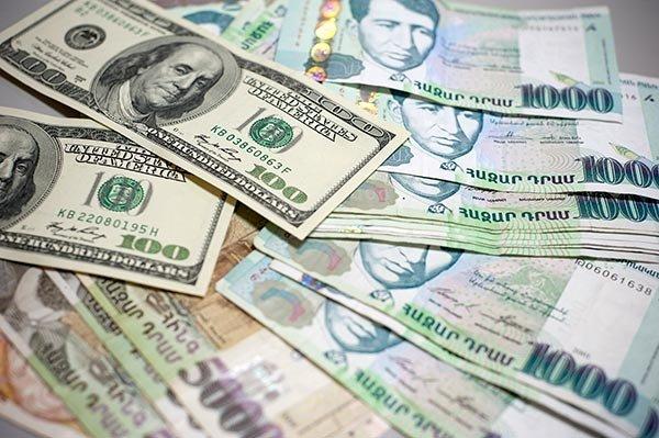 Экономист: Опасаться нужно не новых займов, а отсутствия информации об их использовании