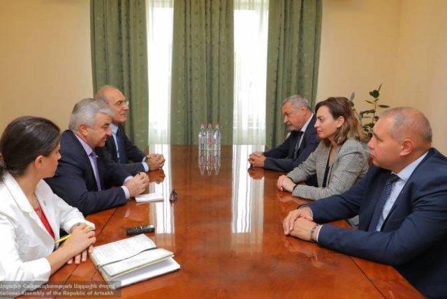 Председатель НС Республики Арцах Ашот Гулян принял болгарских депутатов