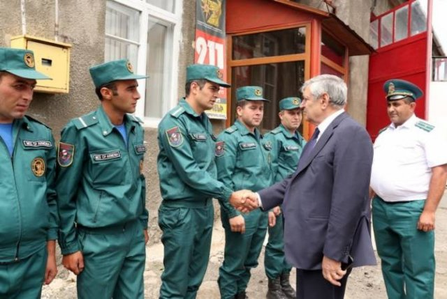 Феликс Цолакян посетил пожарно-спасательные отряды