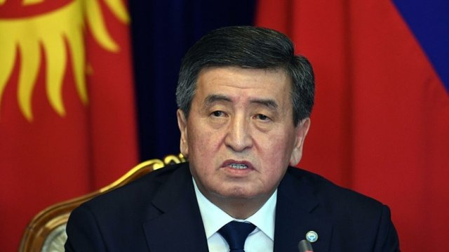 Президент Киргизии: Атамбаев грубо нарушил Конституцию