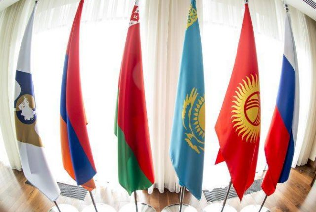 Саммит ЕАЭС проведут в Киргизии, несмотря на штурм дома Атамбаева