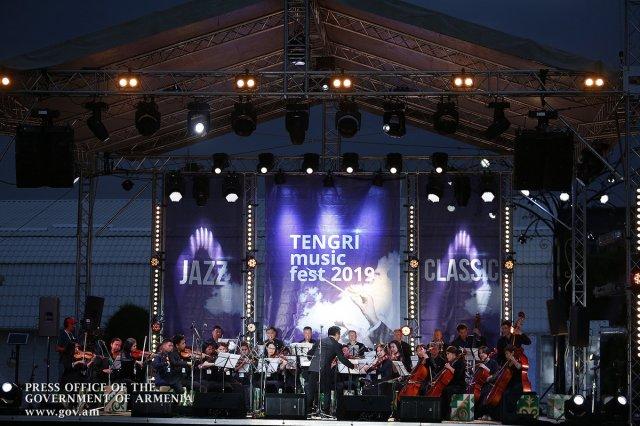 Никол Пашинян с премьерами других стран ЕАЭС посетил музыкальный фестиваль Tengri Music