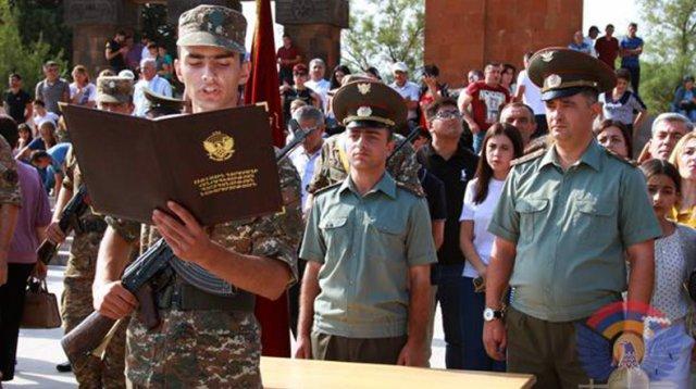 В Армии обороны Арцаха новобранцы принимают присягу