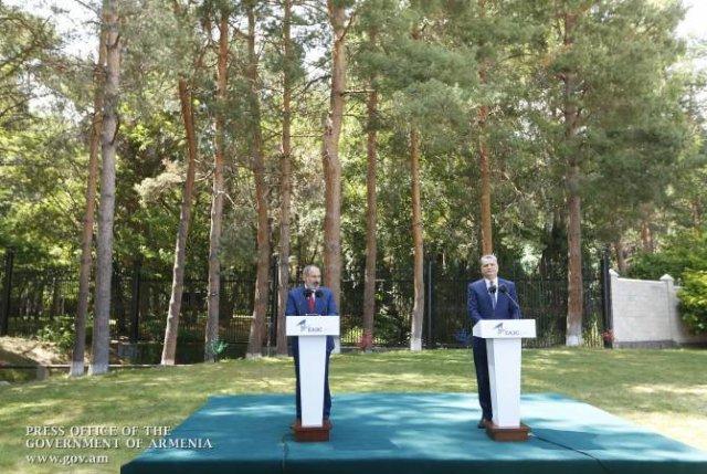 Никол Пашинян и Тигран Саркисян выступили с совместным заявлением для СМИ